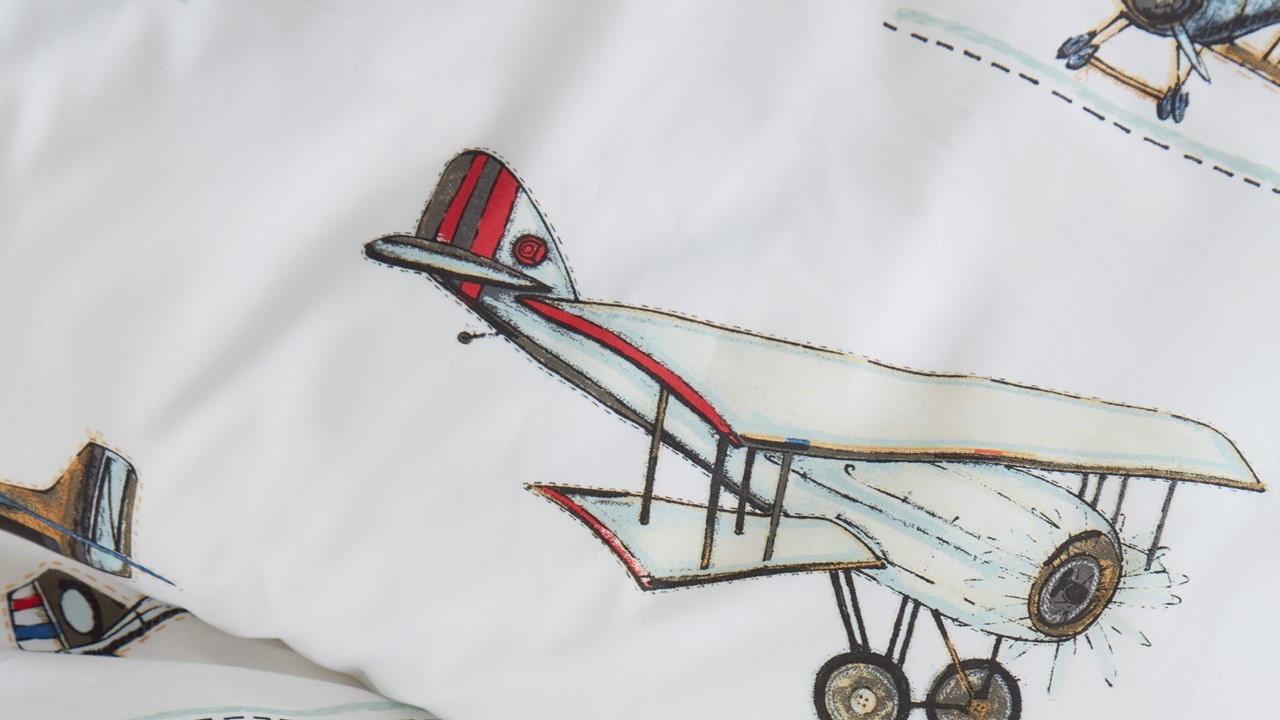dbo_BeddingHouseKids_Airplanes_Grey_1p_Detail