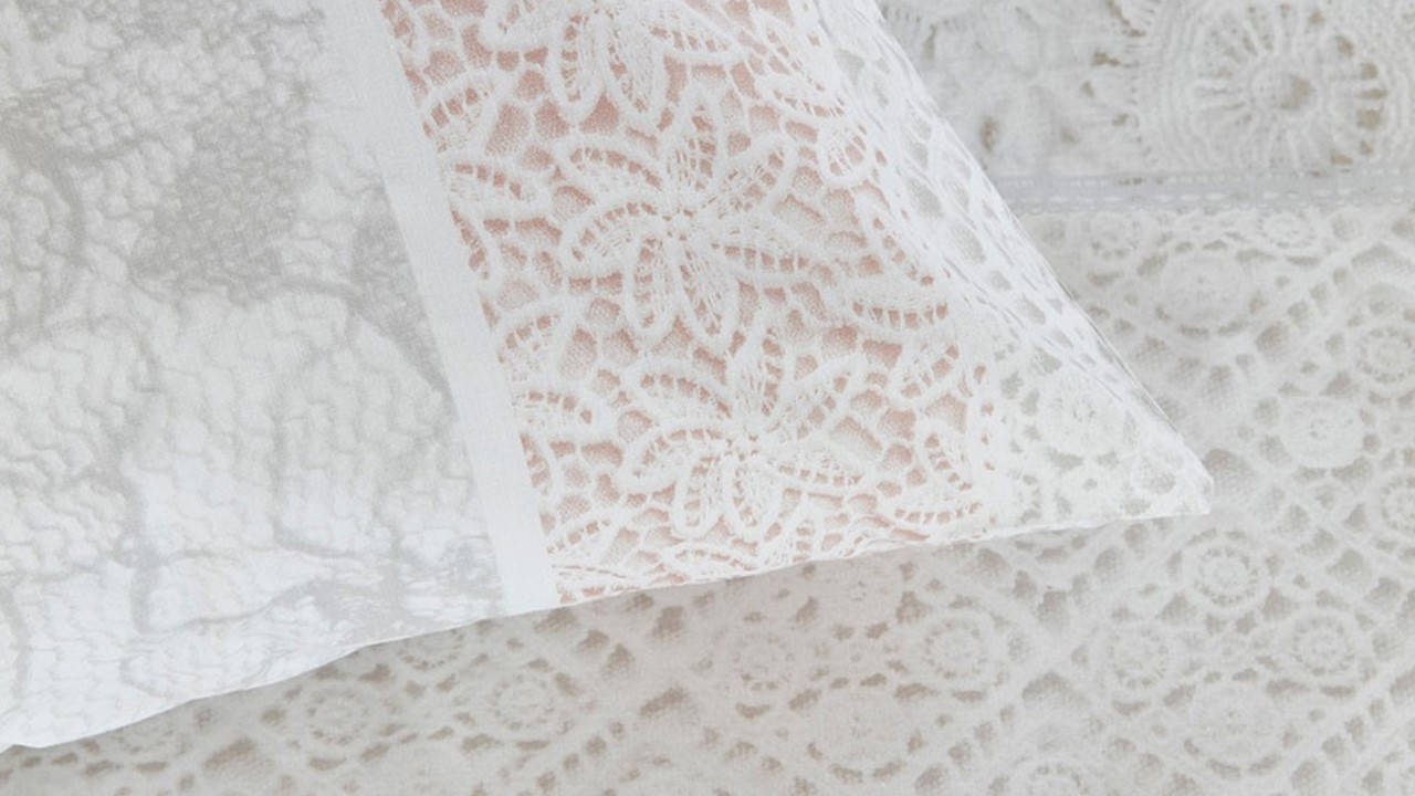 dbo_bh_lacy_soft-pink_detail