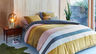 dbo_beddinghouse_grid_stripe_gold_sfeer