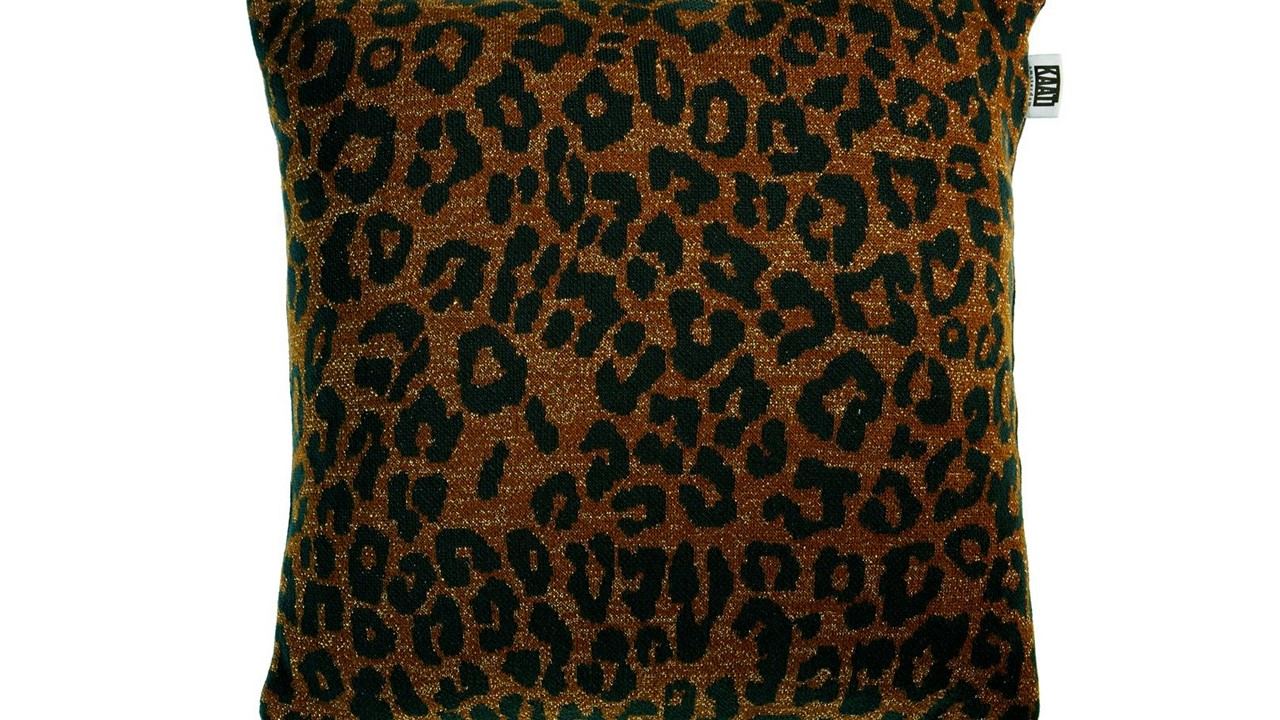 Tigerlily-cushion_Brown_NL_BB_45x45_10